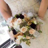 Beauty, white, Feathers, Vintage, Roses, Bouquet, Crystals, Rhinestones