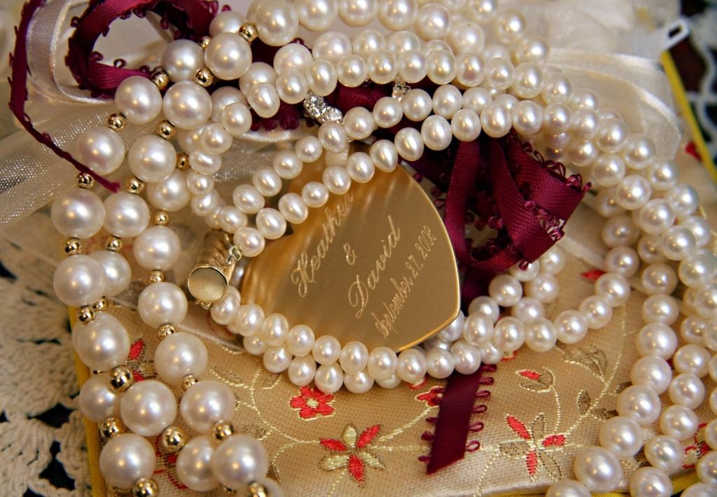 Jewelry, Garter