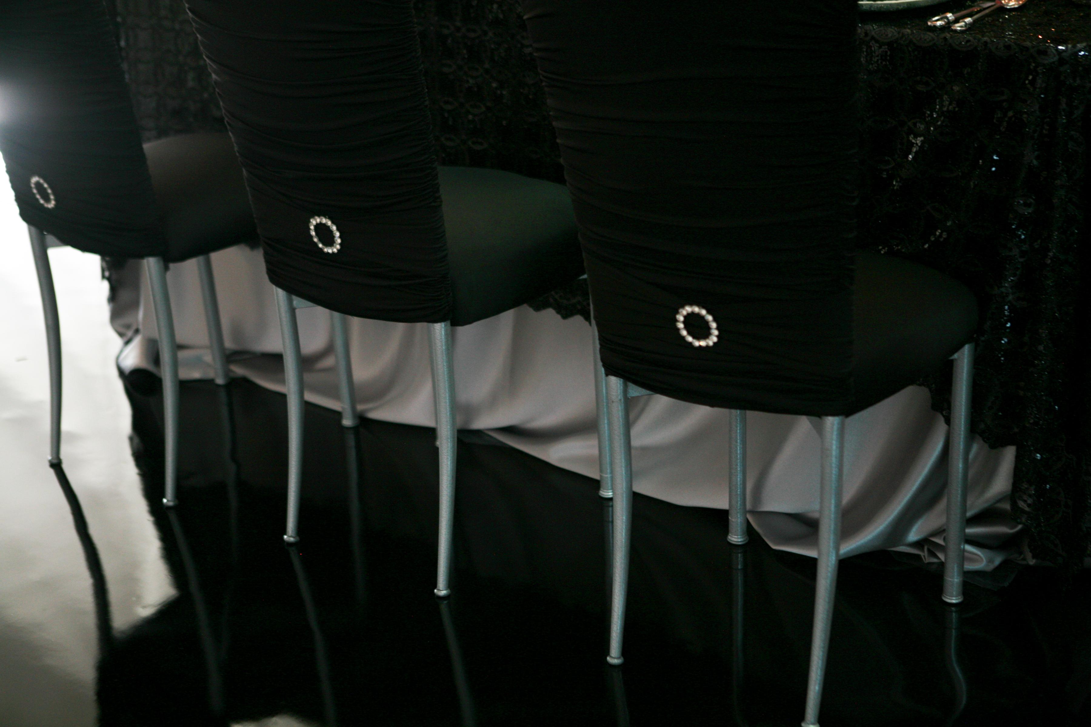 black, Linens