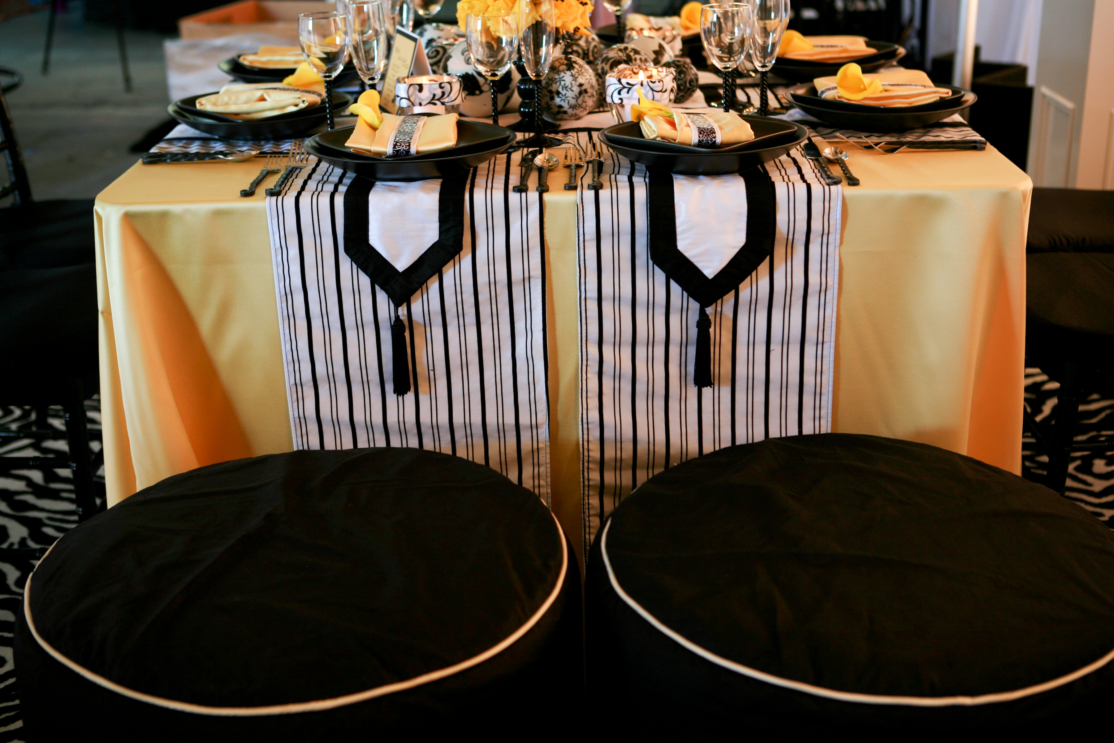 white, yellow, black, Linens