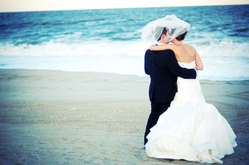 Beach, Wedding, New, Jersey, Patricia goya photography, Cold, Merry makers at waters edge
