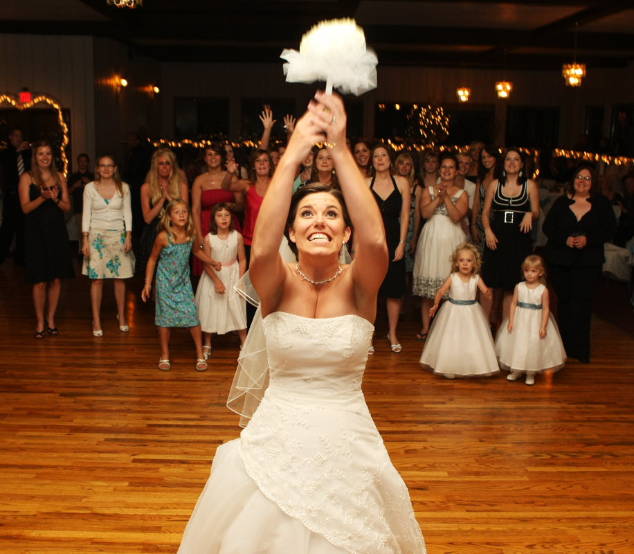 Reception, Flowers & Decor, Bride, Bouquet, Girls, Toss, Ryan timm photography