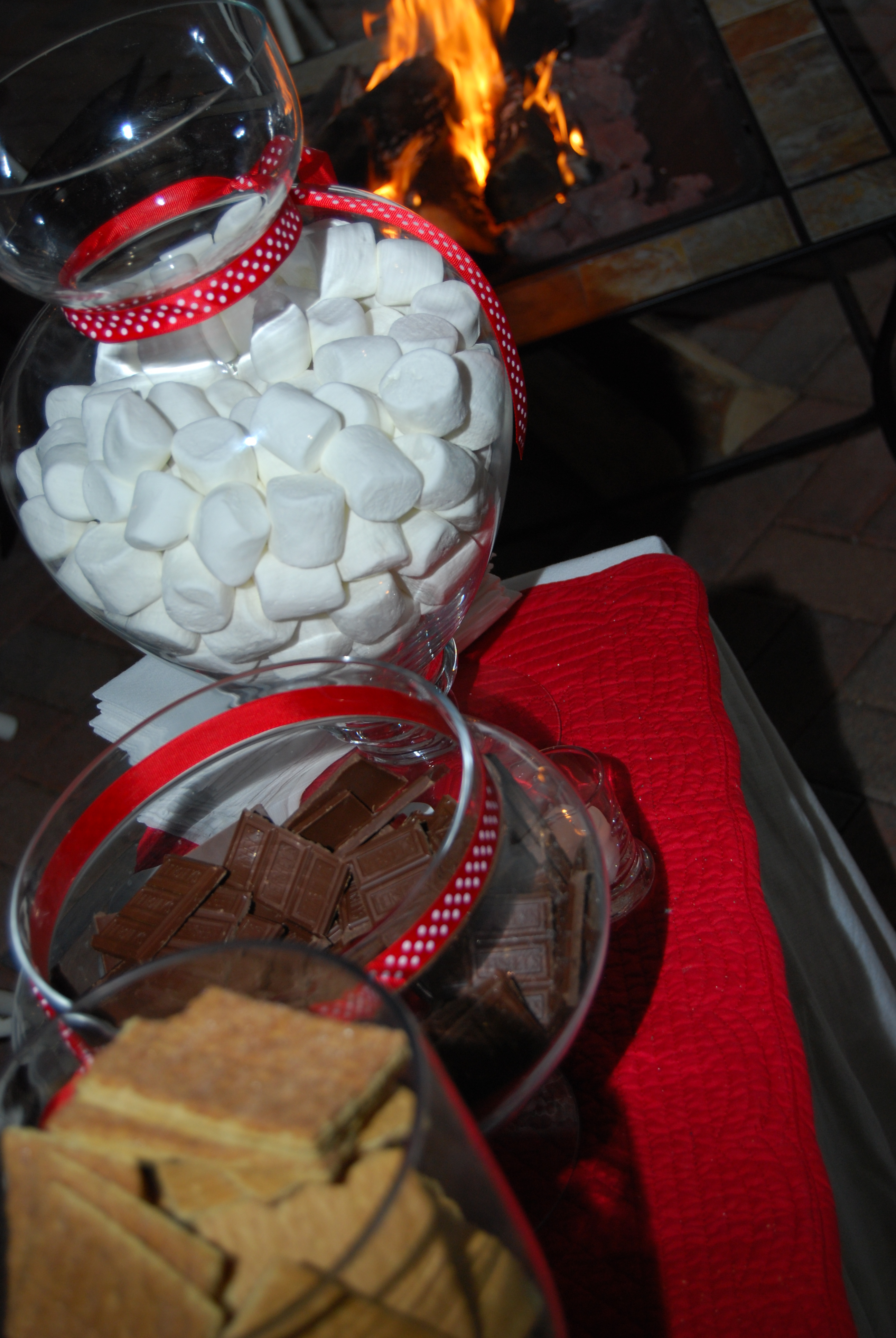 Reception, Flowers & Decor, Decor, white, red, Outdoor, Dessert, Chocolate, Christmas, Smores, Markei events productions, Firepit