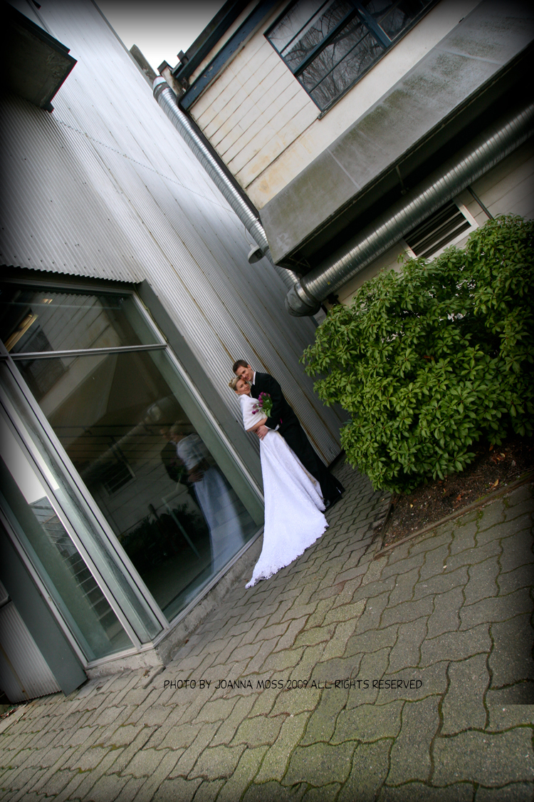 white, purple, Bride, Bouquet, Groom, Photo, Island, Beautiful wedding, Reflection, Pogoda studio - photography, Granville