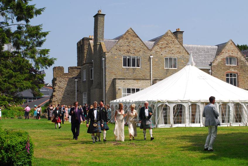 Reception, Flowers & Decor, Destinations, Europe, Wedding, England, Uk, Wedding in england, Ludlow castle, Shropshire
