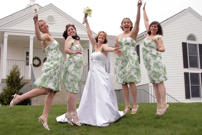Bridesmaids, Bridesmaids Dresses, Fashion, Girls, Posed, Jaclyn paige photography, Group shot, Bridesmaids jumping, Unusual pose, Fun bridesmaid picture, Bridesmaids having fun