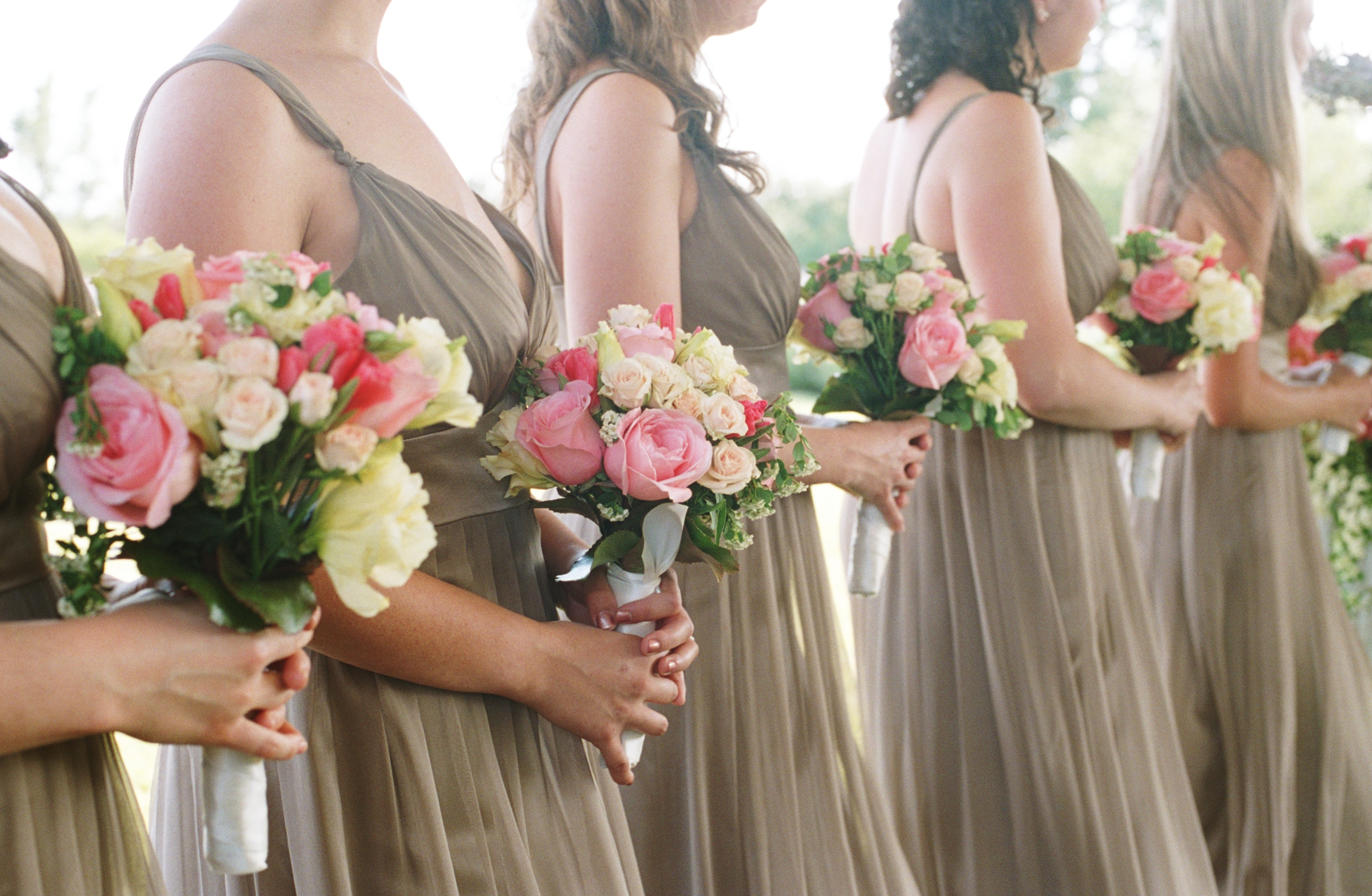 Bridesmaids, Bridesmaids Dresses, Bridesmaid Dresses, Fashion, white, pink, Wedding party, Wedding, Farm