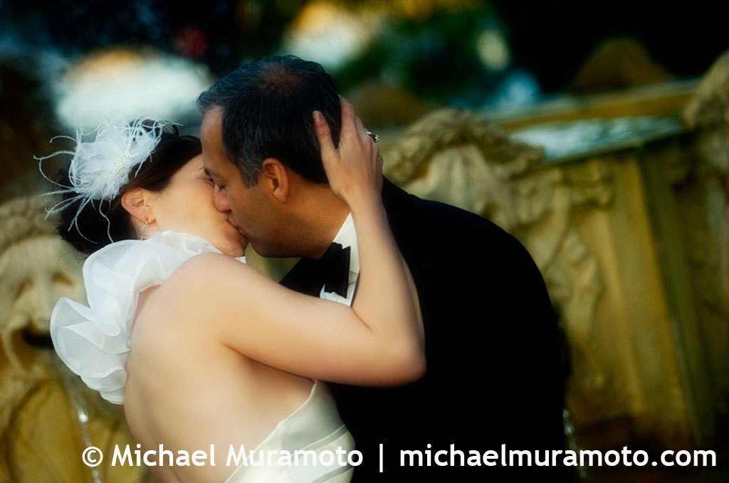 Bride, Groom, Fountain, Kissing, Sausalito, Michael muramoto photography