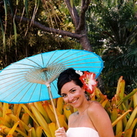 Flowers & Decor, Decor, Destinations, orange, blue, Destination Weddings, Hawaii, Beach, Wedding, Colorful, Parasol, Destination wedding, Hawaiian wedding, Kuaui