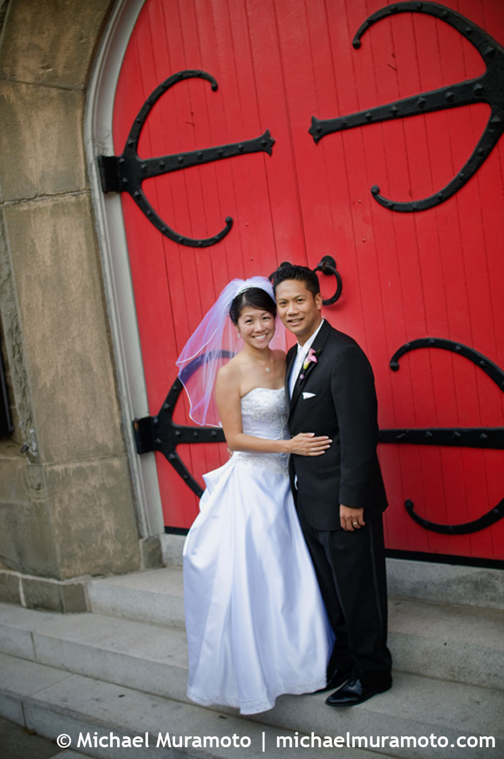 red, Bride, Groom, Portrait, Church, San francisco, Doors, Michael muramoto photography, Trinity episcopal