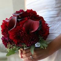 Flowers & Decor, red, Bride Bouquets, Flowers, Roses, Bouquet, Calla, Bridal, Hand, Ribbon, Wrap, Lily, Dahlia, Just bloomed florals, Held