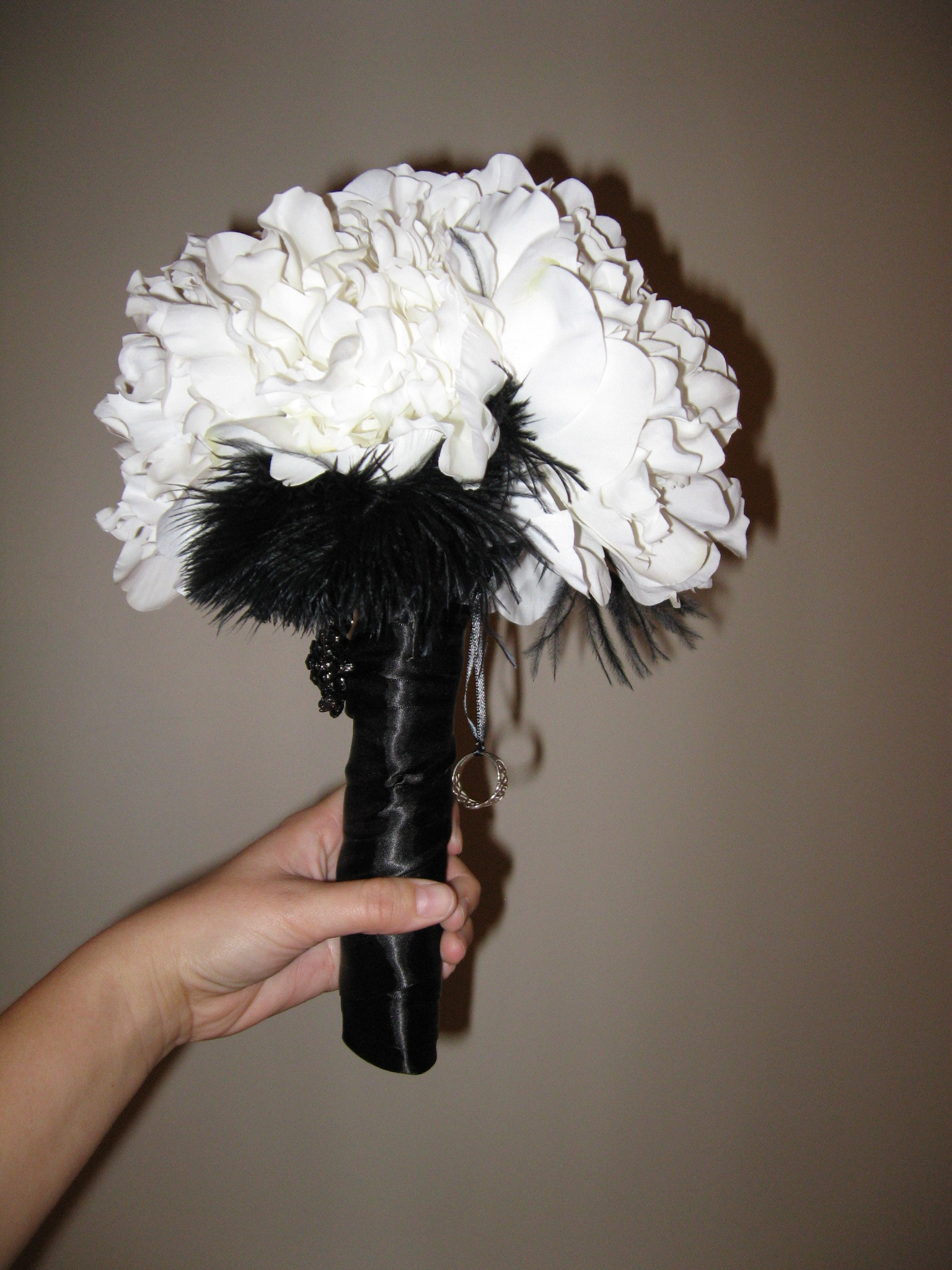 Beauty, DIY, white, black, Feathers, Bouquet, Damask, Feather