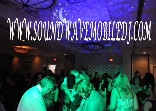 Planning, Lighting, Wedding, Dancing, Couple, Dj, Sound wave mobile dj service, Jockey, Disc