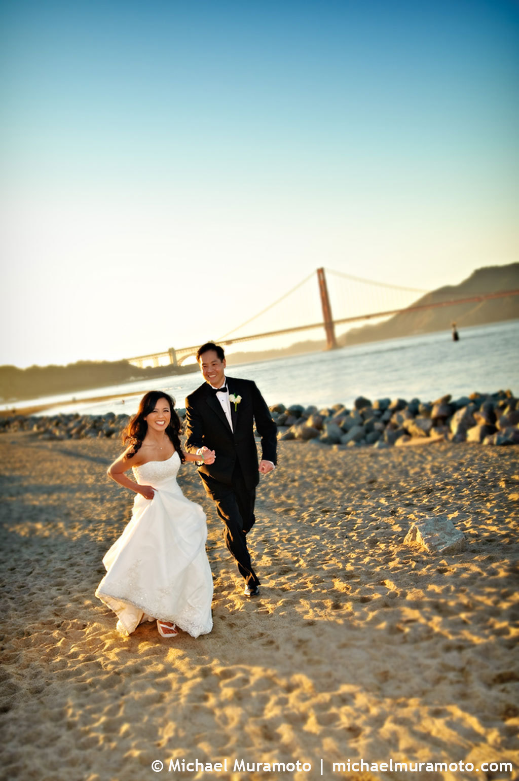 Beach, Bride, Groom, San, Francisco, Running, Golden gate bridge, Michael muramoto photography