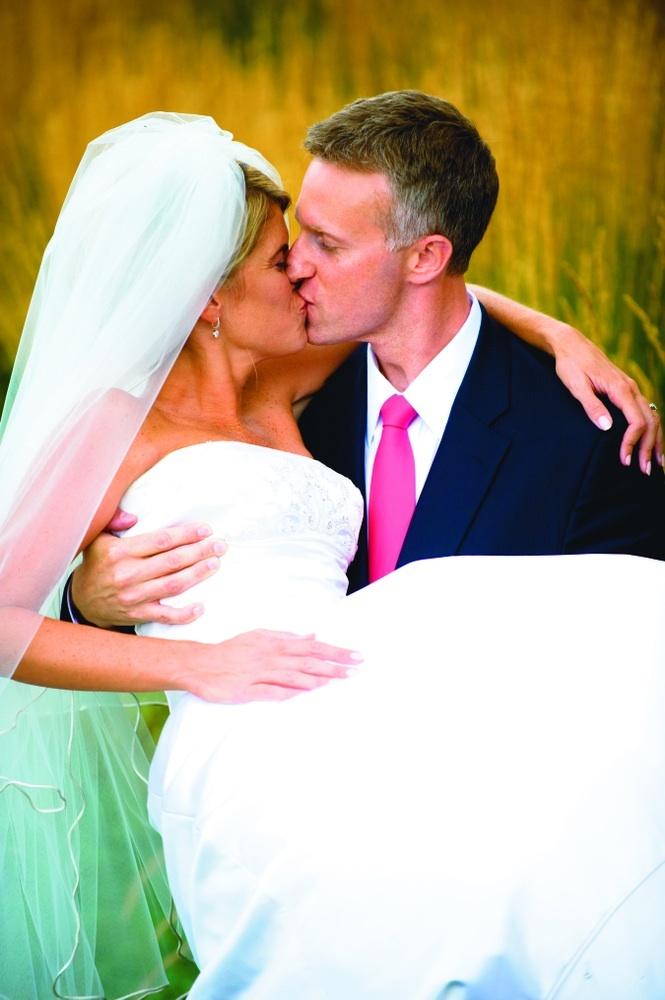 Wedding Dresses, Fashion, white, yellow, green, dress, Men's Formal Wear, Wedding, Bride and groom, Kiss, Tux, Beautiful weddings, Meadow, Court leve photography