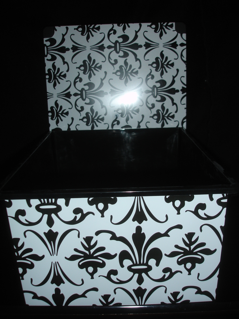 Bathroom, Box, Damask