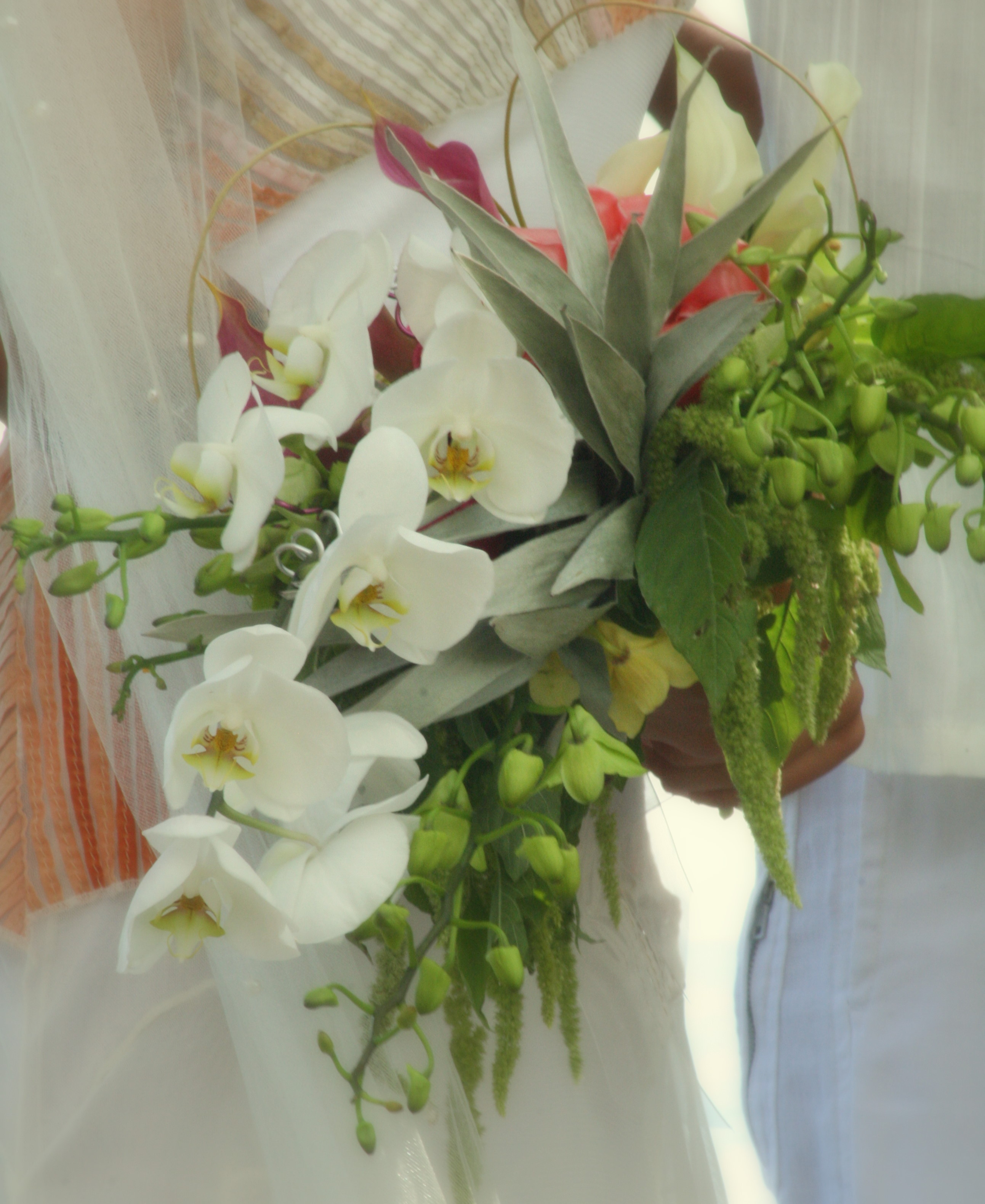 Flowers & Decor, Destinations, white, Hawaii, Bride Bouquets, Flowers, Bouquet, Brides, Soft, K mycia photography