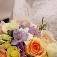 Flowers & Decor, Wedding Dresses, Lace Wedding Dresses, Fashion, white, black, dress, Bride Bouquets, Flowers, Bouquet, Lace, Color, Sepia, K mycia photography, Flower Wedding Dresses