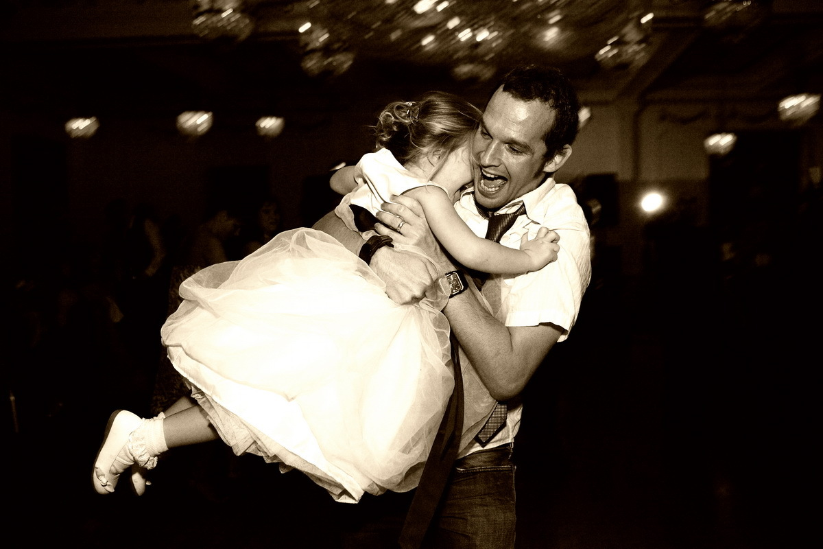 white, black, Dance, And, Floor, Photojournalistic, Sepia, Vesa wedding photographers