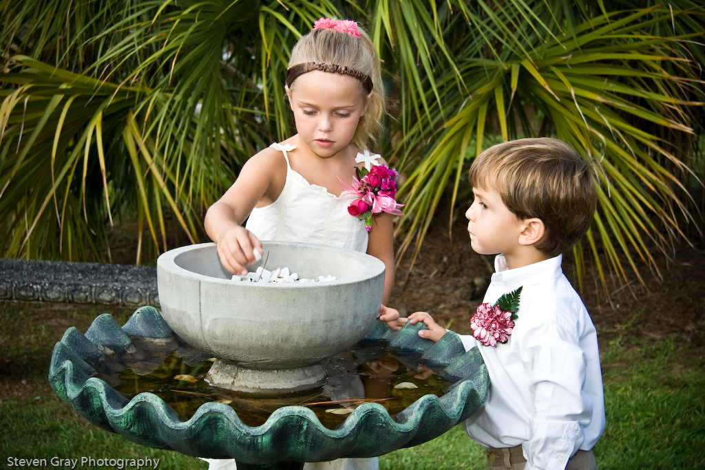 Girl, Fountain, Flower girl, Kids, Ring bearer, Outdoors, Boy, Playing, Kid