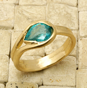 gold, Custom, Ring, Engagement, Sapphire, Handmade, Apatite, Liza shtromberg jewelry