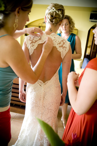 Bride, Back, Getting, Ready, Fino photography