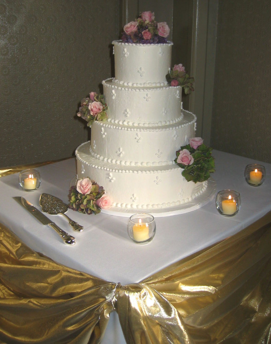 Flowers & Decor, Cakes, pink, cake, Flowers, Roses, Cake cutting, Hydrangea, An impressive event, 4 tier cake