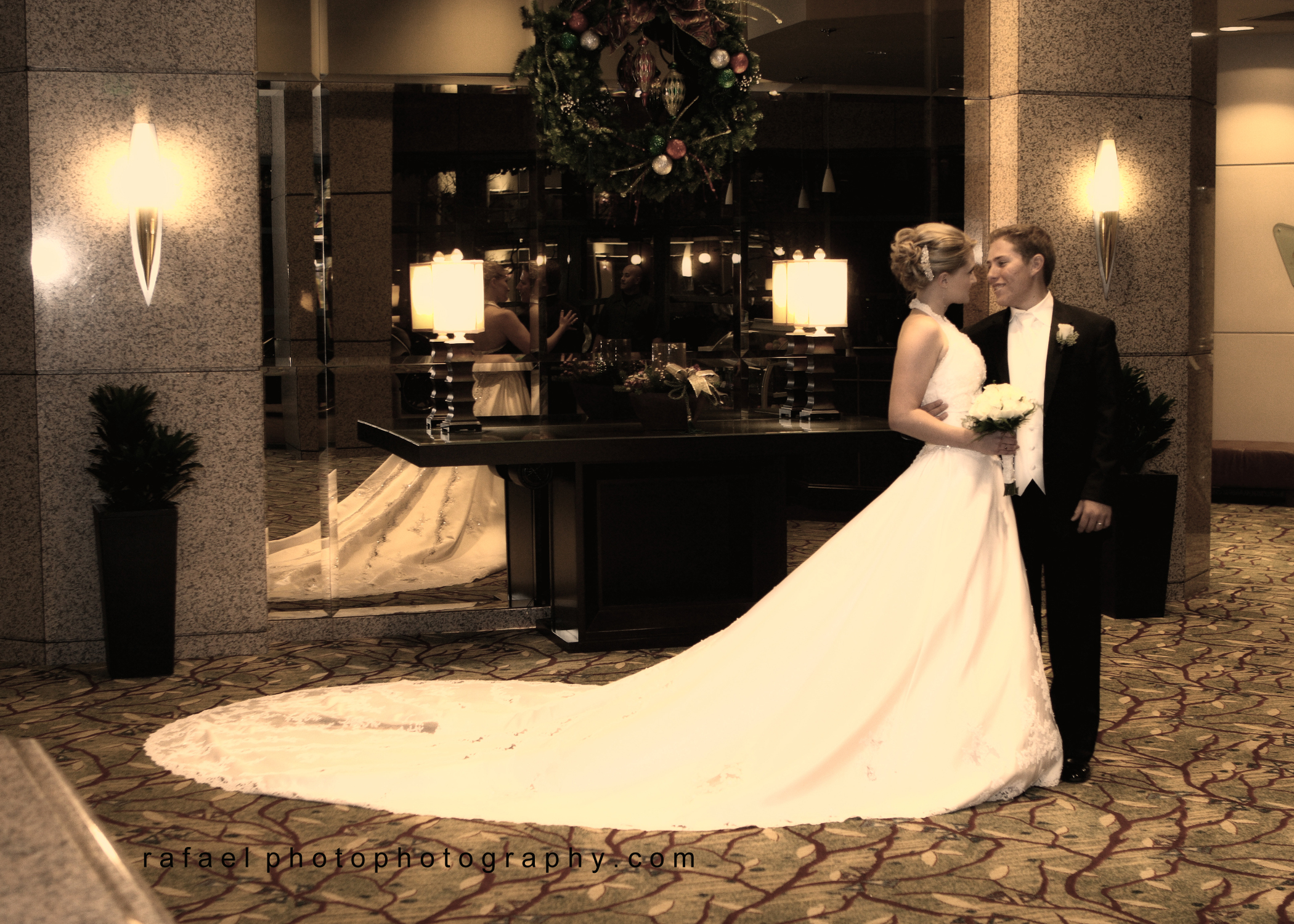 Wedding Dresses, Fashion, white, dress, Bride, Groom, Train, Kiss, Picture