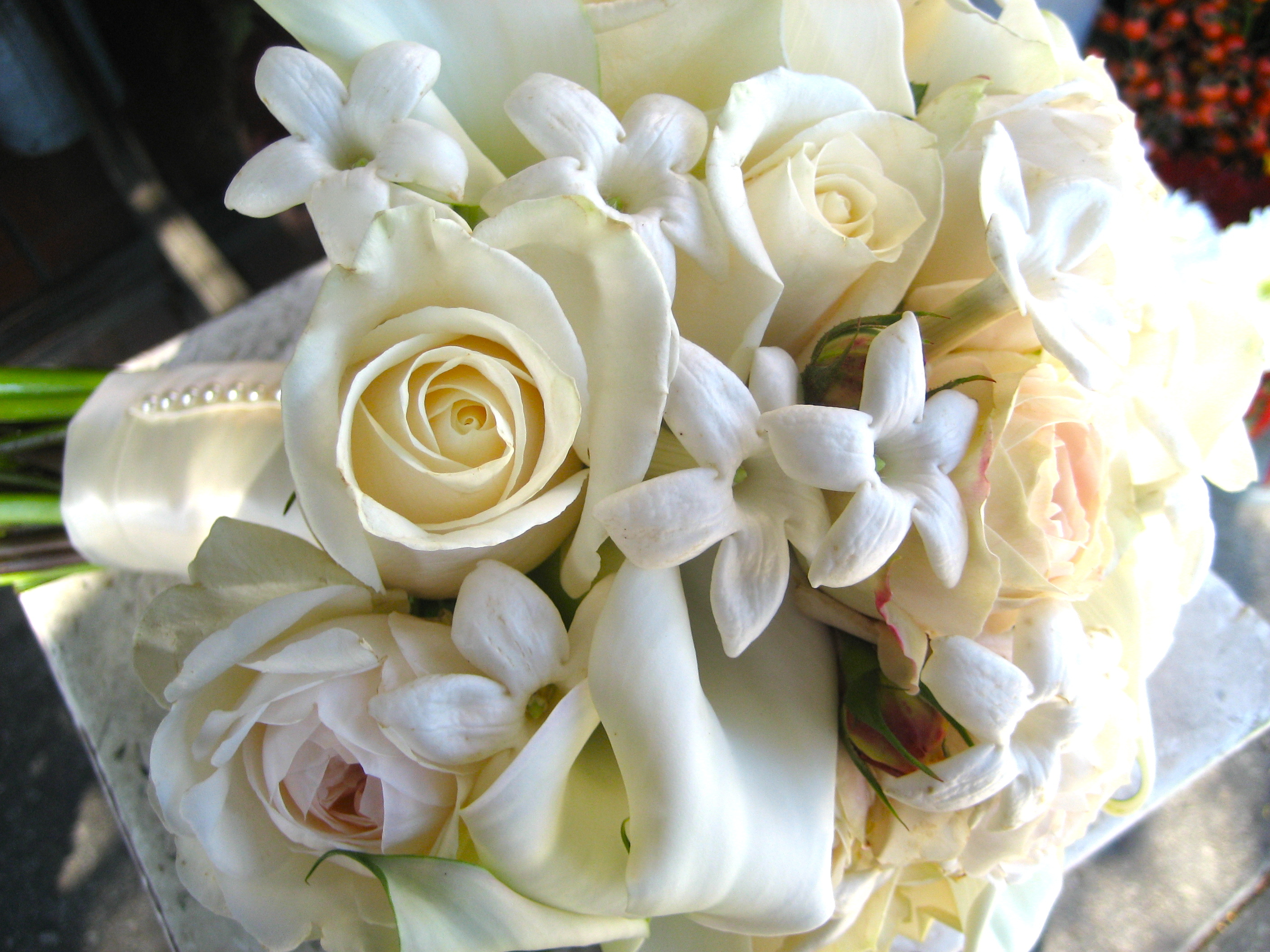 white, Roses, Stephanotis, Cream, Traditional, Church street flowers
