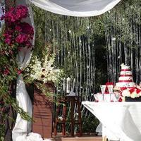 Beauty, Planning, Favors & Gifts, white, red, brown, venue, Favors, Orchid, Dance, Wedding, Hair, Gazebo, Perfect, Floral, Elegant, Rose, Photo, Cream, Design, Style, Coordinator, New, Piece, Stairs, Services, Organized, Revel events and designs - red, Rosales, Buado