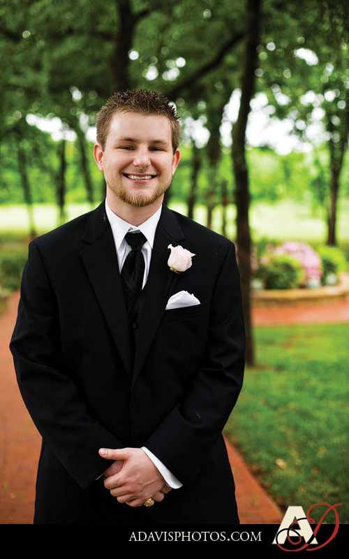 Groom, Portrait, First, Church, Allison davis photography, Keller, Methodist
