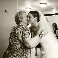 Flowers & Decor, Wedding Dresses, Fashion, dress, Bride Bouquets, Bride, Flowers, Family, Amaryllis images, Flower Wedding Dresses