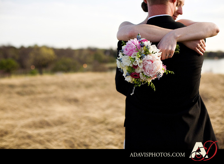 white, Bouquet, Portrait, Couple, Rock, Lake, Texas, Point, Dallas, Allison davis photography, Winfrey