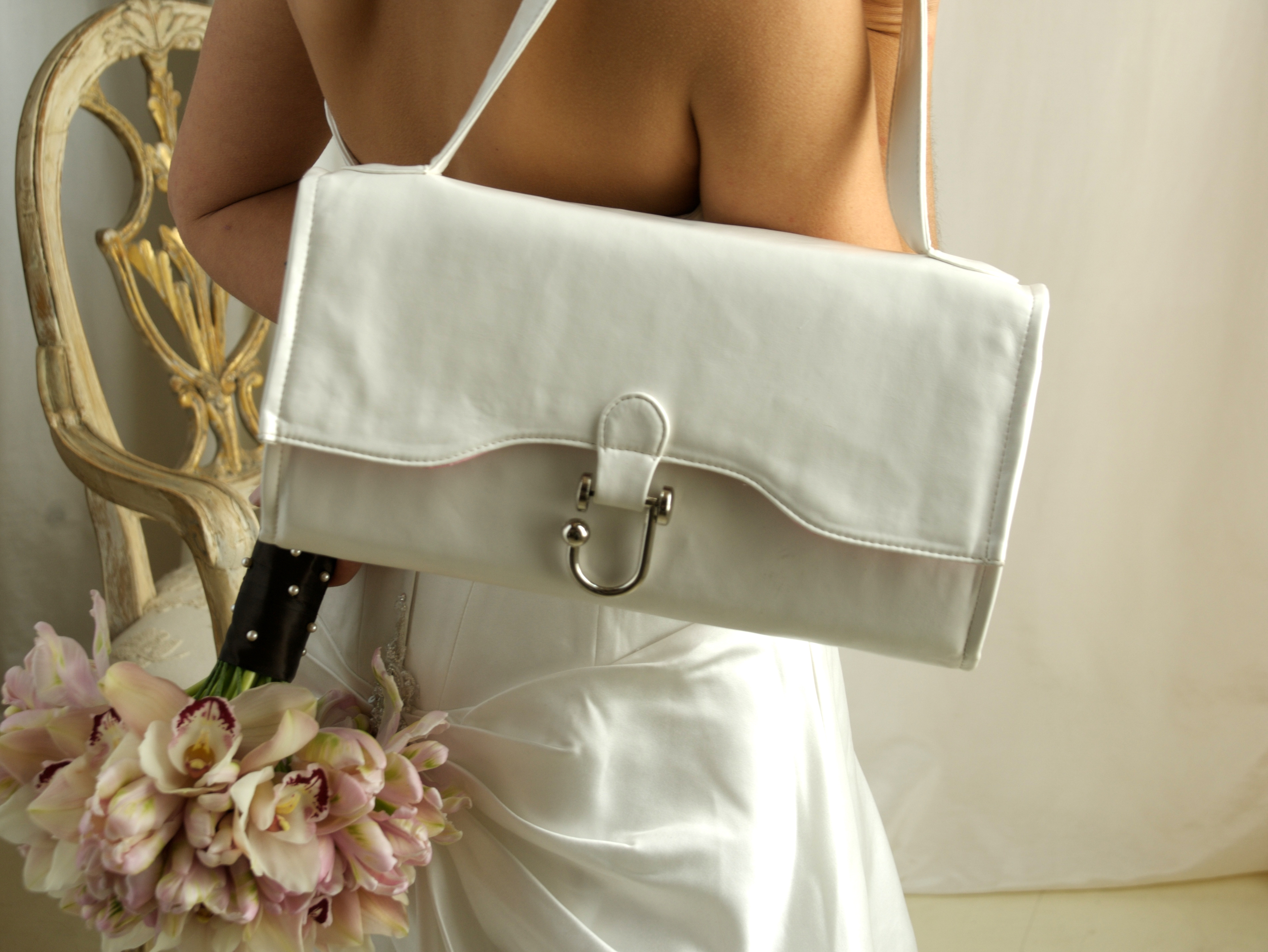Planning, white, Bride, Purse, Happy, Bag, Prepare, Kit, Plan, Mojuba wedding
