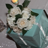 Flowers & Decor, white, blue, Centerpieces, Flowers, Roses, Centerpiece, Gift, Tiffany, Box, Carnations, Moda floral event design, Present