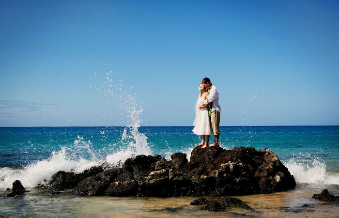Destinations, blue, Hawaii, Beach, Bride, Groom, Portrait, Ashley bartoletti photography