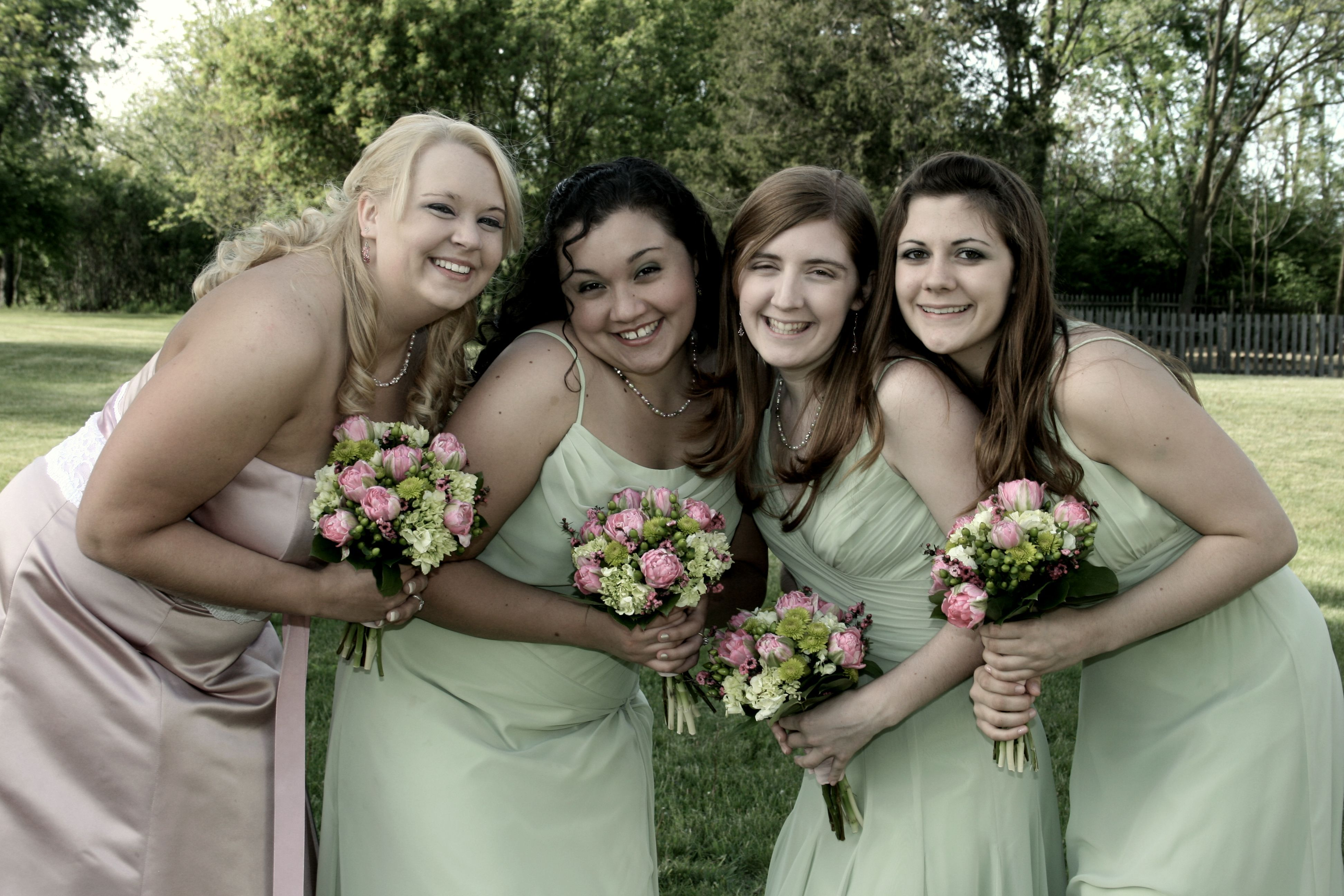 Flowers & Decor, Bridesmaids, Bridesmaids Dresses, Fashion, pink, green, Bridesmaid Bouquets, Flowers, Flower Wedding Dresses