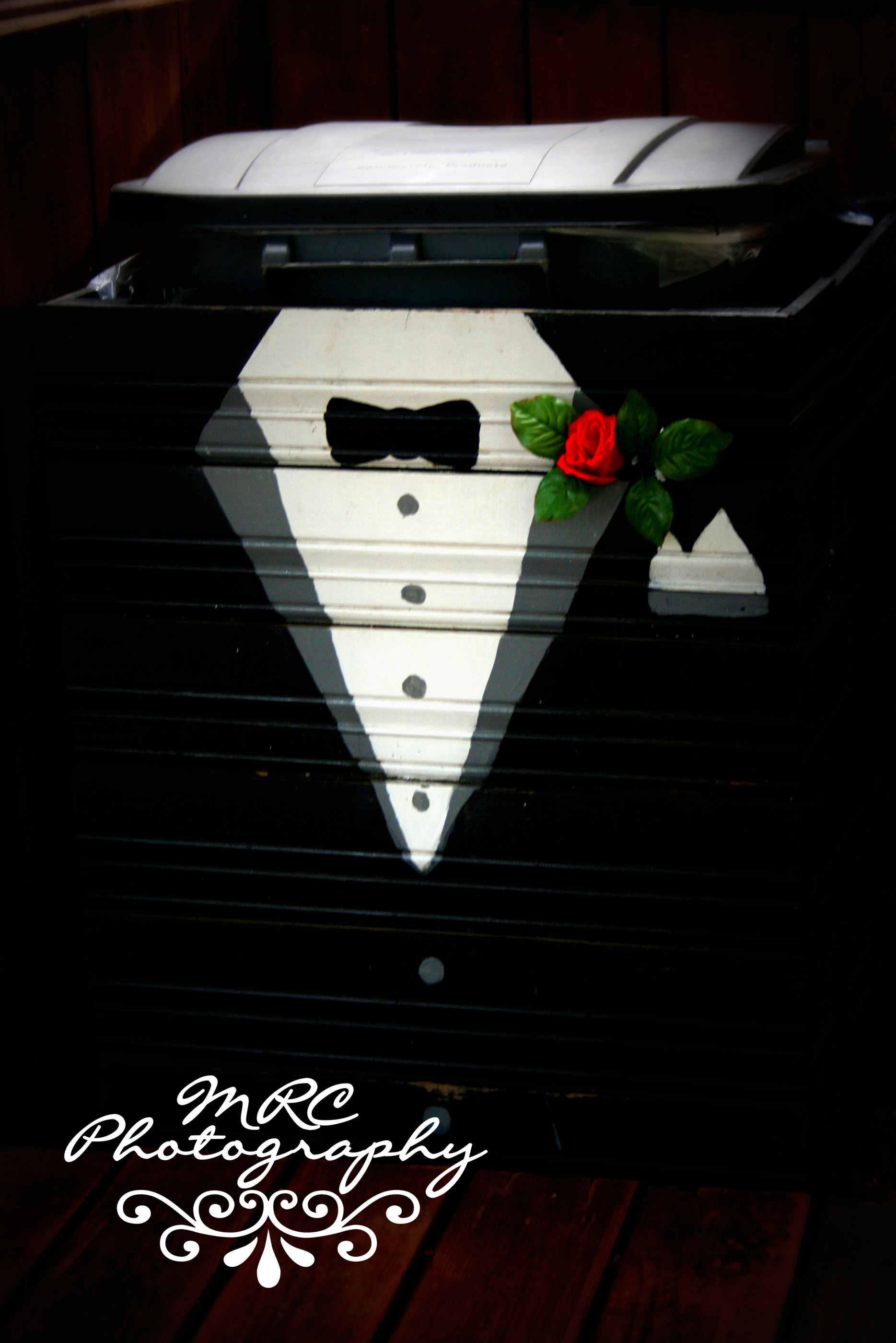 Reception, Flowers & Decor, white, red, black, Mrc photography