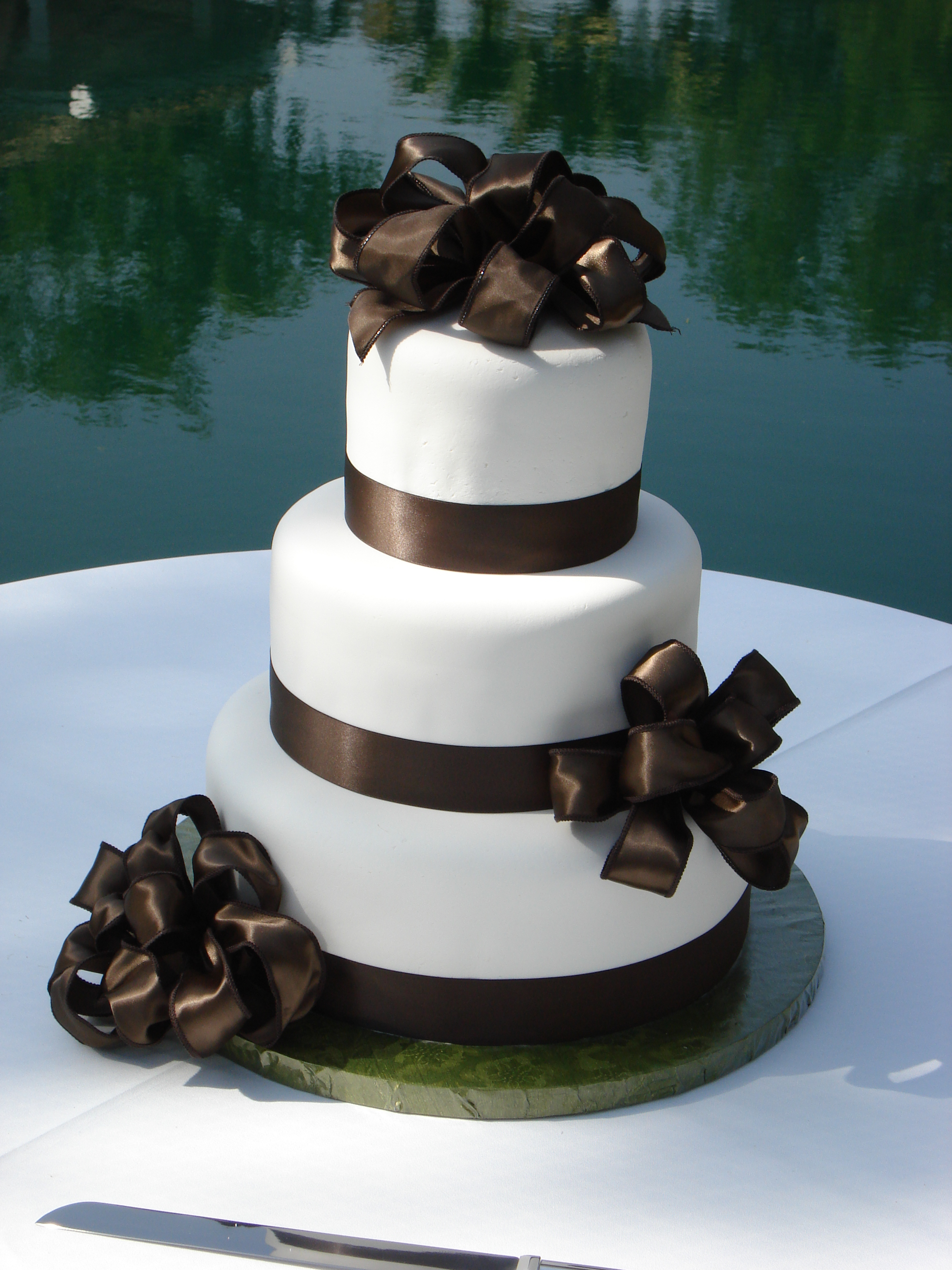 Cakes, white, brown, cake, Ribbon Wedding Cakes, Fondant, Ribbon, Rapunzels cakes and cookies