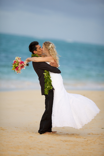 Beach, Couple, Happy, Ainakai hawaii wedding photography