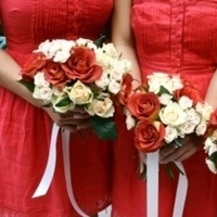 Flowers & Decor, Bridesmaids, Bridesmaids Dresses, Wedding Dresses, Destinations, Fashion, red, dress, Europe, Bridesmaid Bouquets, Flowers, Wedding, Paris, france, Parisian, Parisian events, An american wedding planner in paris, Flower Wedding Dresses