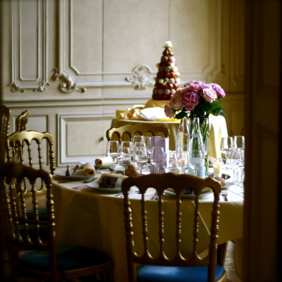 Reception, Flowers & Decor, Cakes, Destinations, pink, gold, cake, Europe, Wedding, Paris, france, Parisian, Parisian events, Marie-antoinette, An american wedding planner in paris