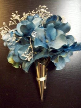 Flowers & Decor, blue, Boutonnieres