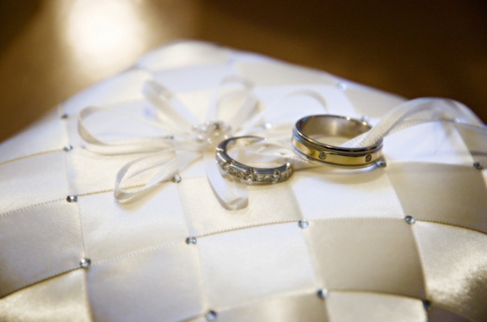 Wedding Rings, Bride, Groom, Rings, Pillow, Studios, Las vegas, Imagine studios llc, Imagine, Las vegas wedding photographer