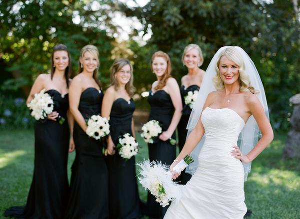 Beauty, Flowers & Decor, Jewelry, Bridesmaids, Bridesmaids Dresses, Wedding Dresses, Fashion, white, black, dress, Makeup, Bride Bouquets, Bridesmaid Bouquets, Bride, Flowers, Hair, And, Soiree events and paper, Flower Wedding Dresses