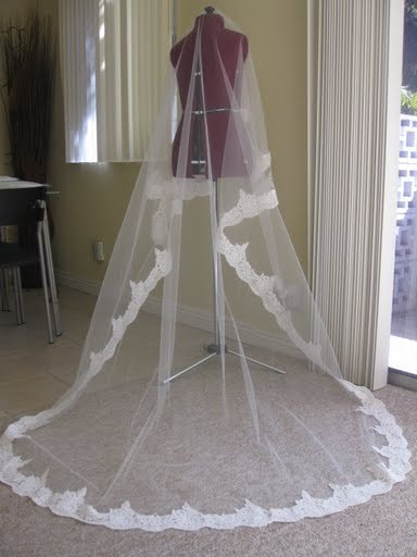 Beauty, Wedding Dresses, Veils, Lace Wedding Dresses, Fashion, ivory, dress, Veil, Hair, Lace, Cathedral, Alencon, Wwwwowsoprettycom - bridal accessories