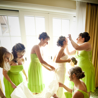 Beauty, Jewelry, Bridesmaids, Bridesmaids Dresses, Wedding Dresses, Fashion, white, green, dress, Makeup, Bride, Hair, Preparations, Maolo photography, Brides preparations, Brides preps