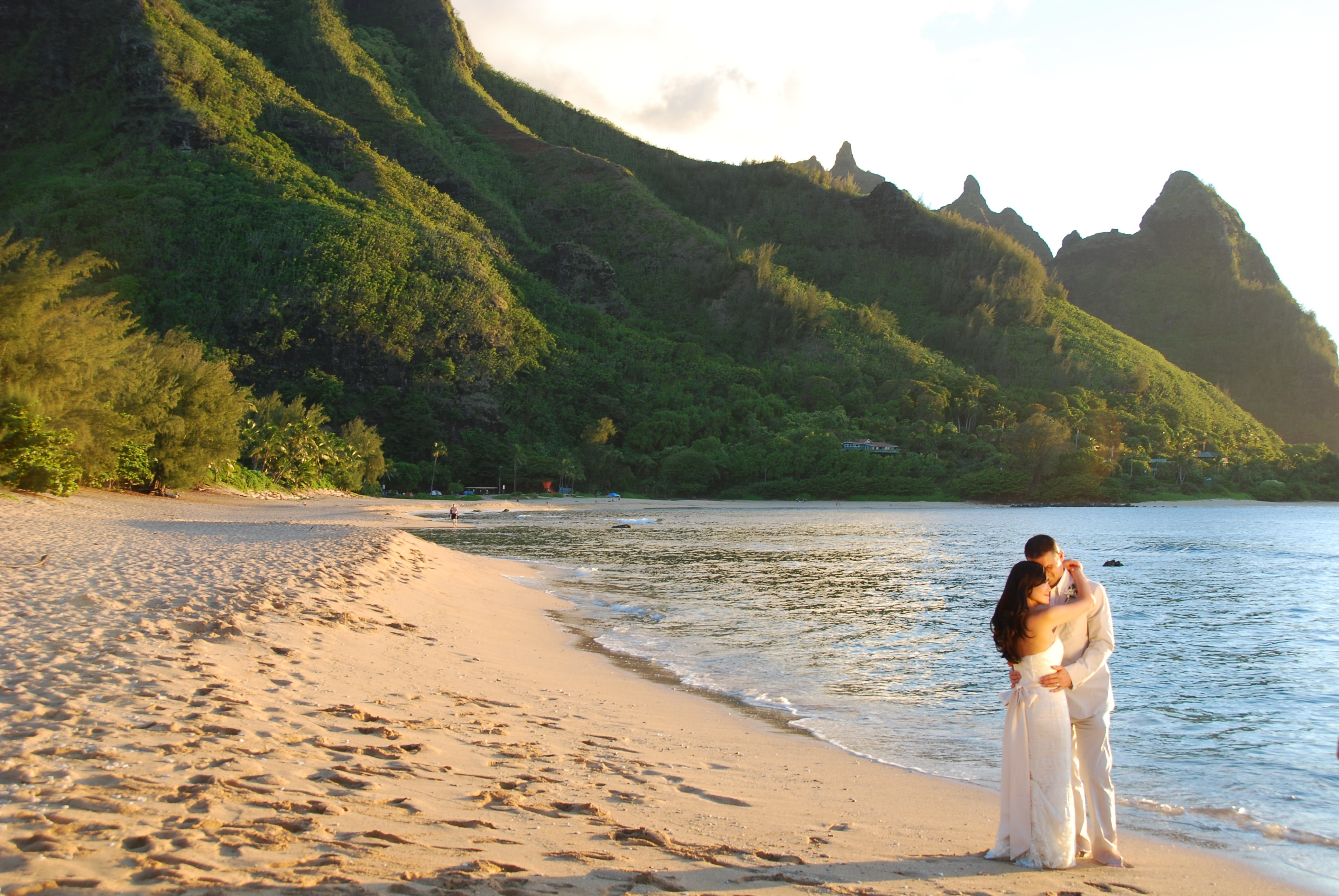 Ceremony, Flowers & Decor, Destinations, white, Hawaii, Wedding, Kauai, Alohana weddings