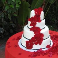 Reception, Flowers & Decor, Cakes, white, red, black, cake, Flowers, Wedding, And, Rose, Petals, Les fleurs de vie