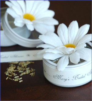 Reception, Flowers & Decor, white, yellow, green, silver, gold, Custom, Daisy, Party favors, Favors by lisa, Bloembox, He loves me